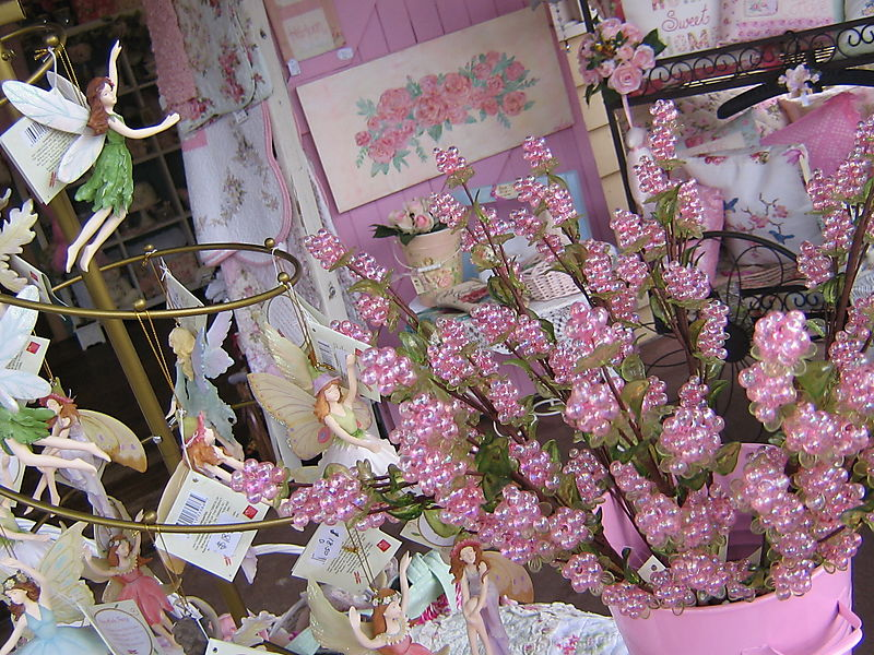 Oh so Pretty Lilly 006