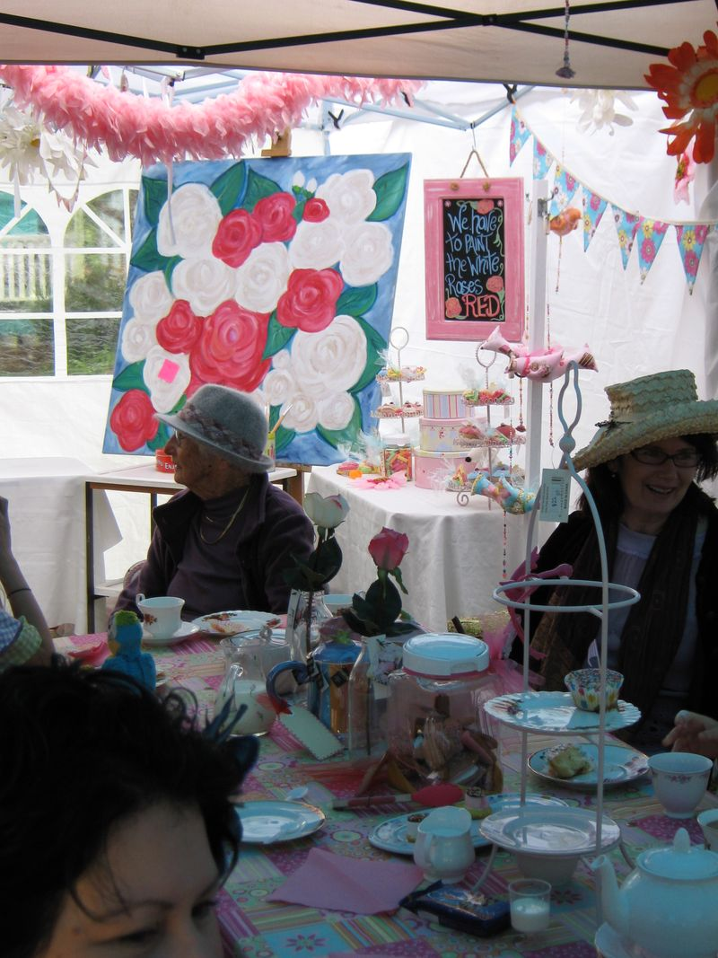 Mad Hatters Rea PaRTY 130