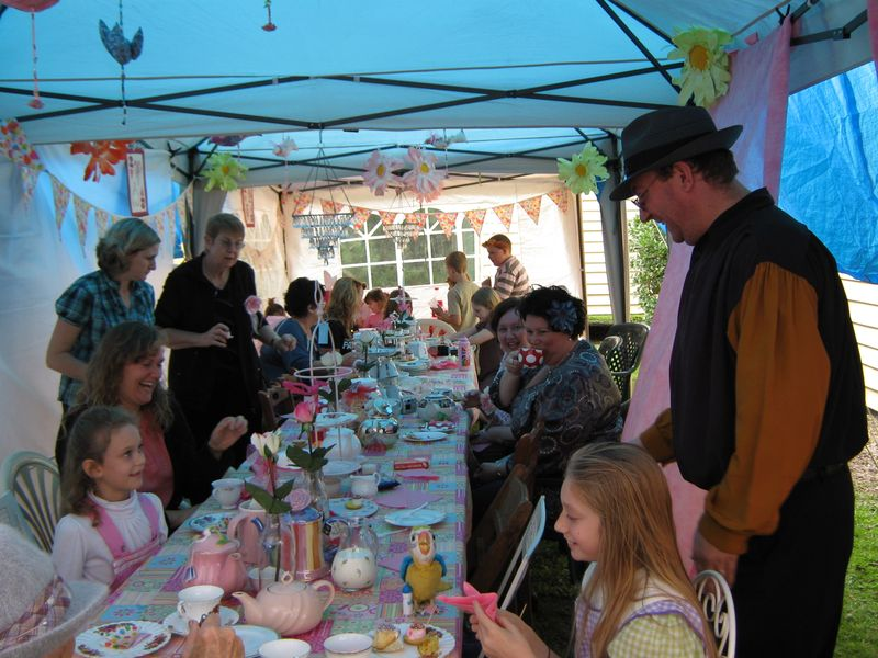 Mad Hatters Rea PaRTY 137