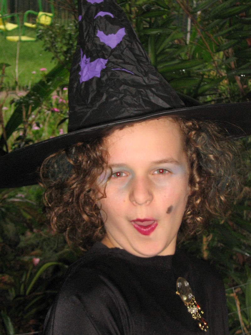 Courtney is a witch!! 005