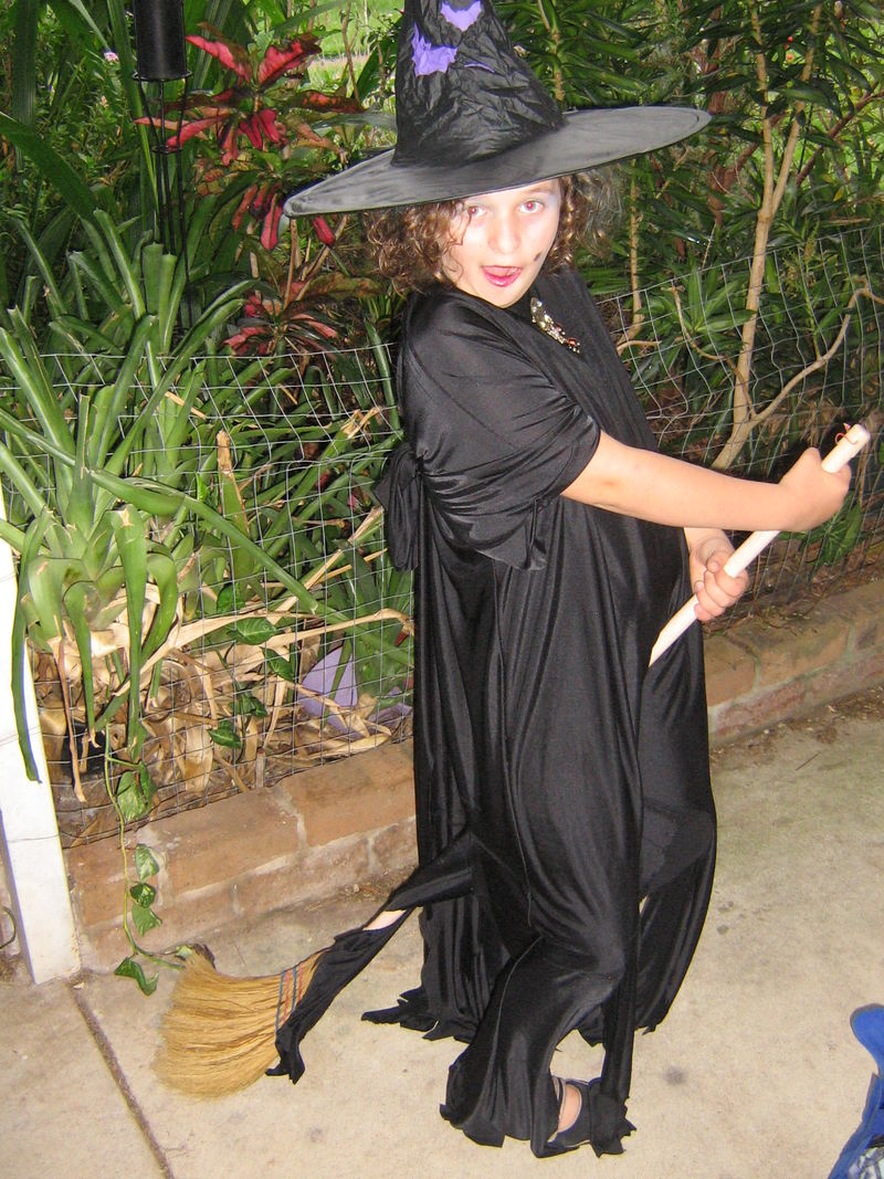 Courtney is a witch!! 008