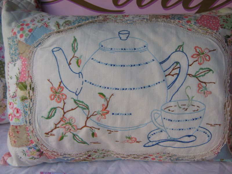 Vintage bags and cushions 033