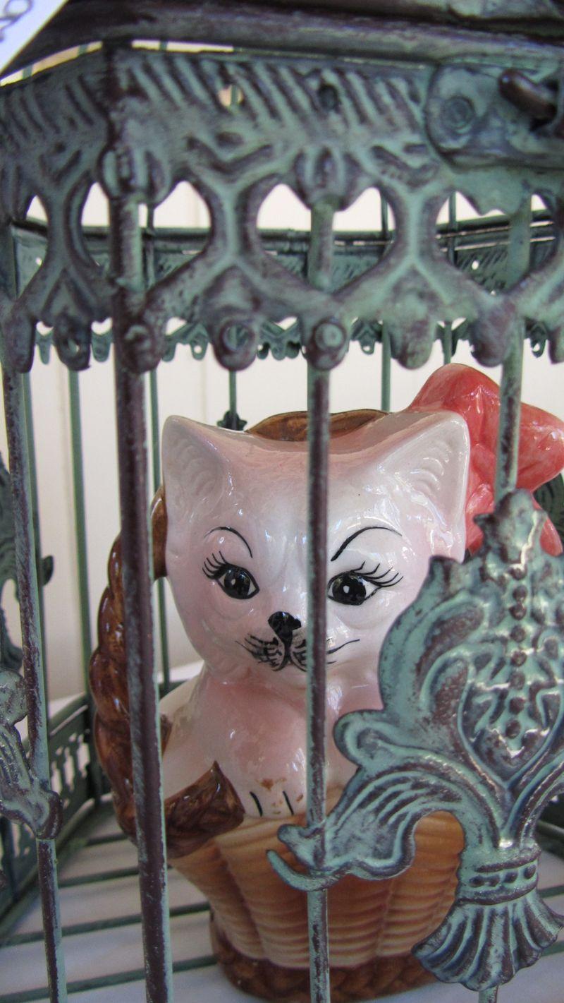Caged 012 (1216 x 2160)