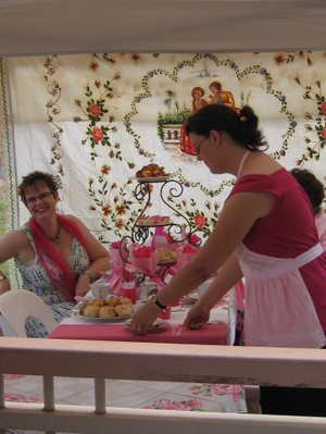 Breast_cancer_tea_party_002