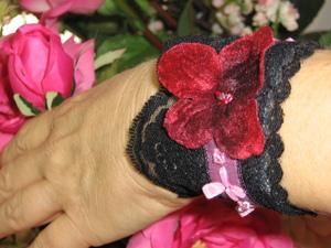 Flowers_and_cuffs_011