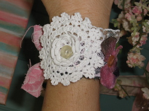 Flowers_and_cuffs_016