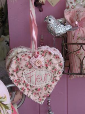 Shop_bunny_019